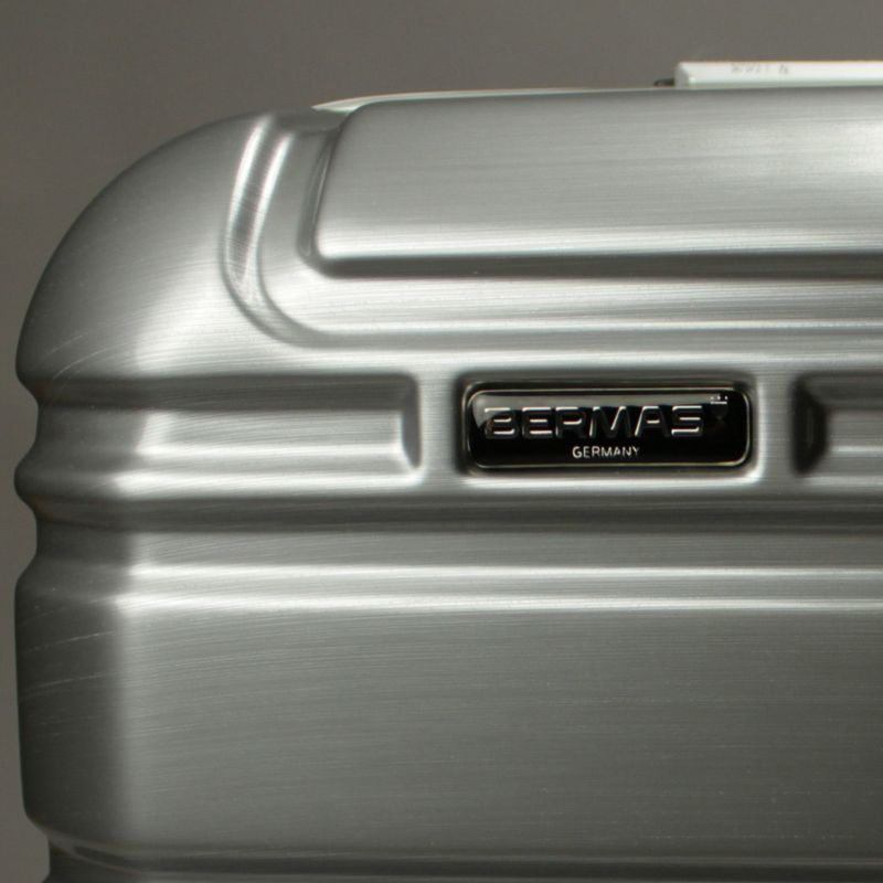PRESTIGE Ⅱ 4輪ファスナー56c