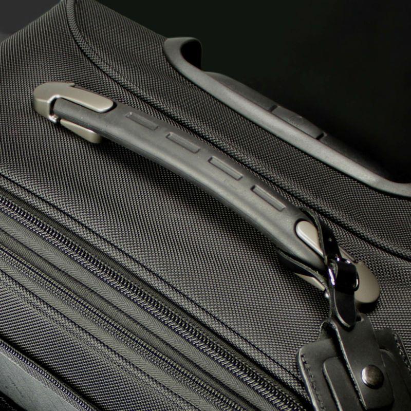 ファンクションギアプラスシリーズ縦型2輪キャリー57c  手になじみやすく持ちやすい持ち手