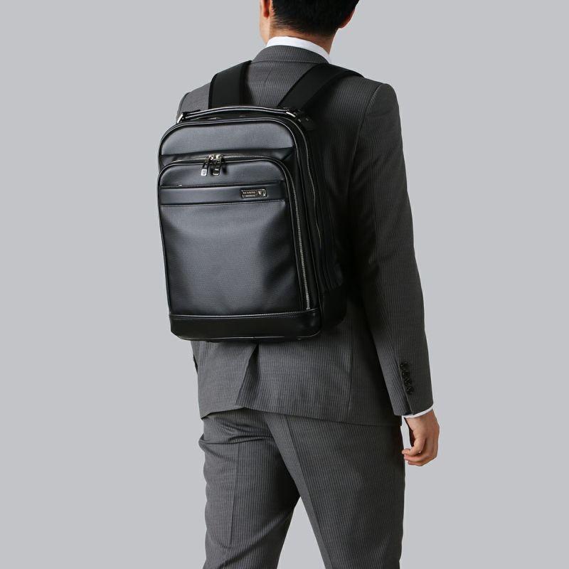 豊岡鞄 MIJリュック 着用時