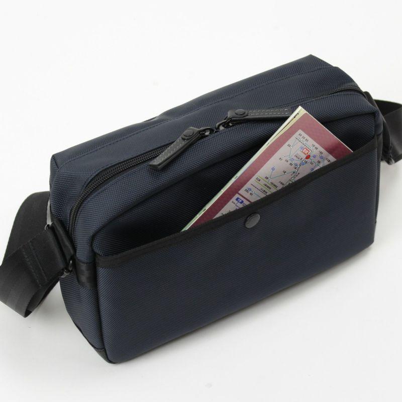 バウアー3 ホリゾンタルショルダー 背面のホック式ポケット