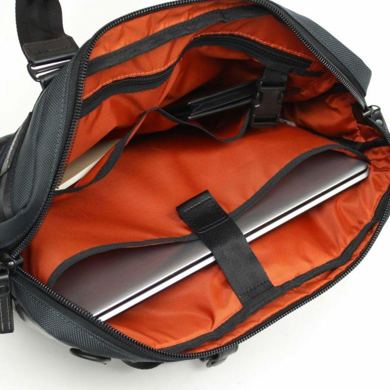 バウアースリー スリム3WAY ノートPCの収納に最適なクッションポケット