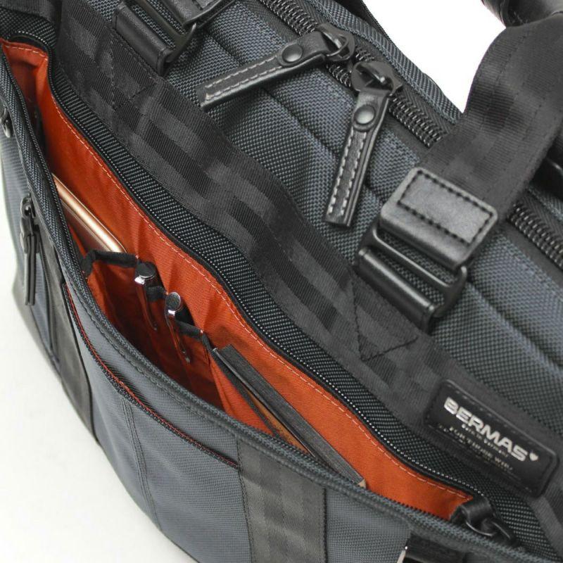 バウアースリー スリムスリーウェイ 小物整理に便利なオーガナイザー付きフロントポケット