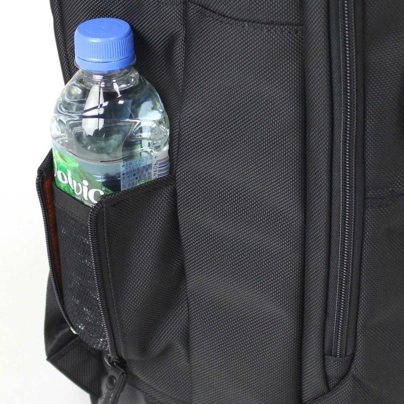バウアー3 ペットボトル収納にも便利なボトルホルダー