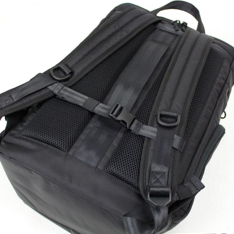 背面はクッション入りメッシュパッド仕様なので通気性が良く、長時間の使用も蒸れにくく快適