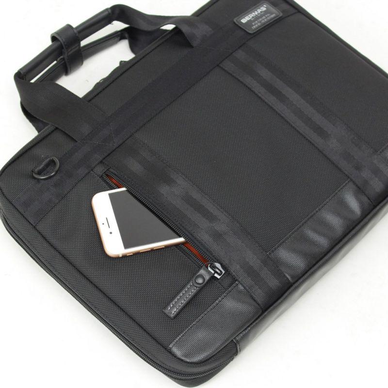 バウアースリー ガジェットポートフォリオ 小物が収納しやすいファスナー付き前ポケット
