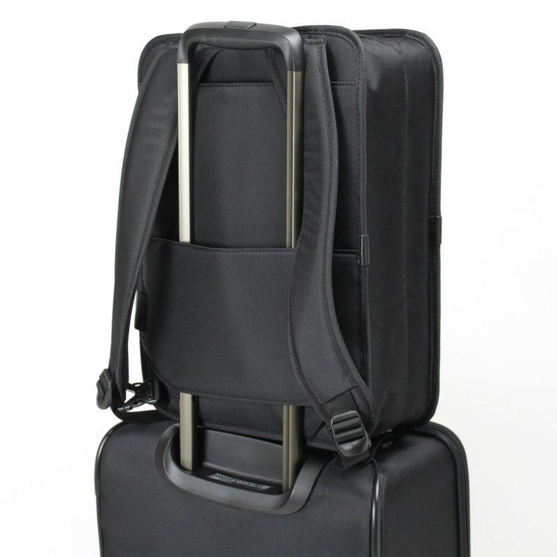 ディグリー ブリーフ 出張などのスーツケースと併用する場合にも便利なキャリーオン機能