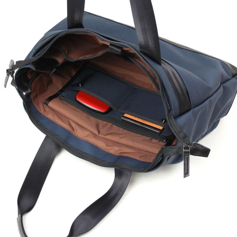 スタット ビジネストート 取り外せるファスナーポケットは単体で使用可能なサコッシュ