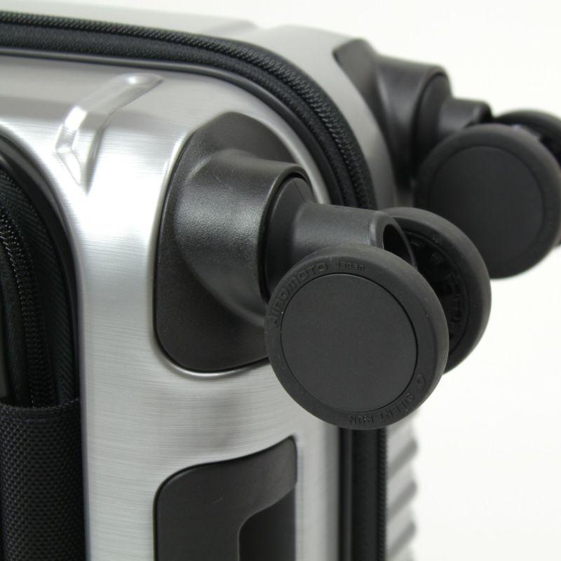 HINOMOTO製のストッパー付き静音キャスター