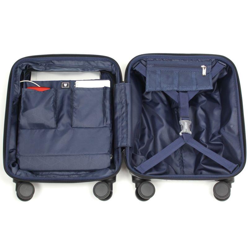収納効率を考えたメインルーム一泊の国内出張にも最適なフロントオープンスーツケース