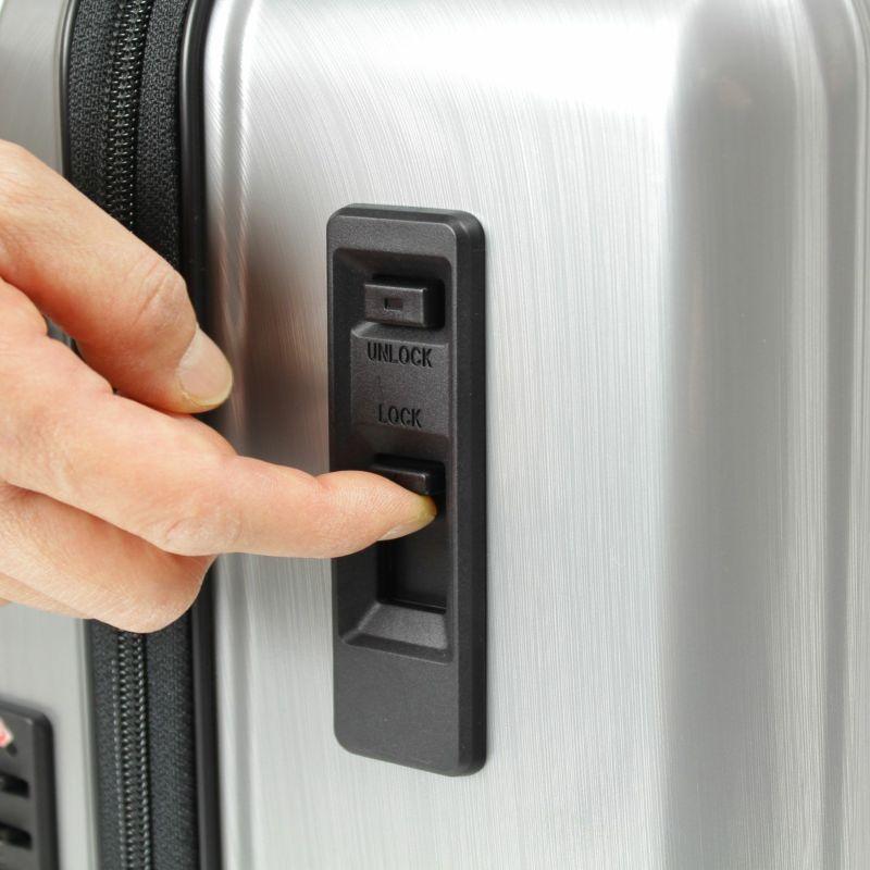 電車、バス乗車時など不用意な動き出しを制限することができるストッパー付き静音キャスター