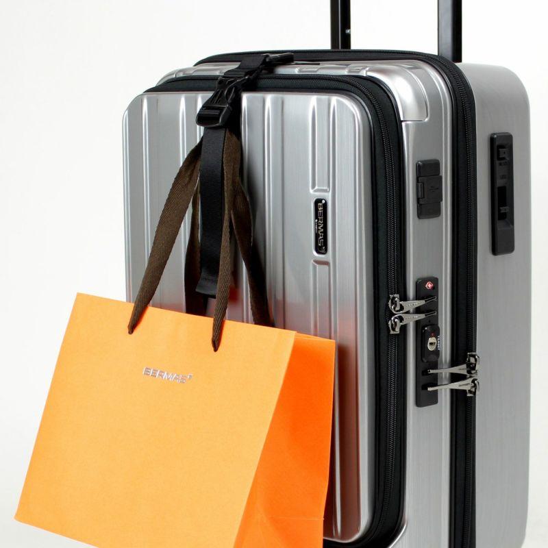 付属のバッグフックで手荷物をスーツケースにかけられます