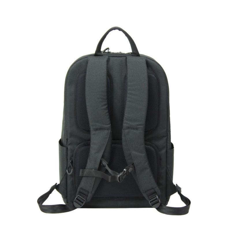 背面は3D立体設計メッシュパットで蒸れにくい、夏のクールビズスタイルに最適なビジネスリュック