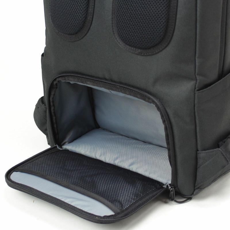 お弁当箱入れに最適なクッション入りボックス型スペース