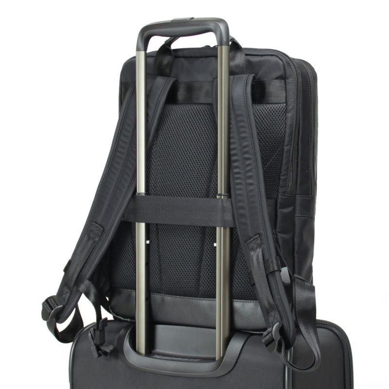 キャリーオン対応で出張などのスーツケースと併用もおすすめです